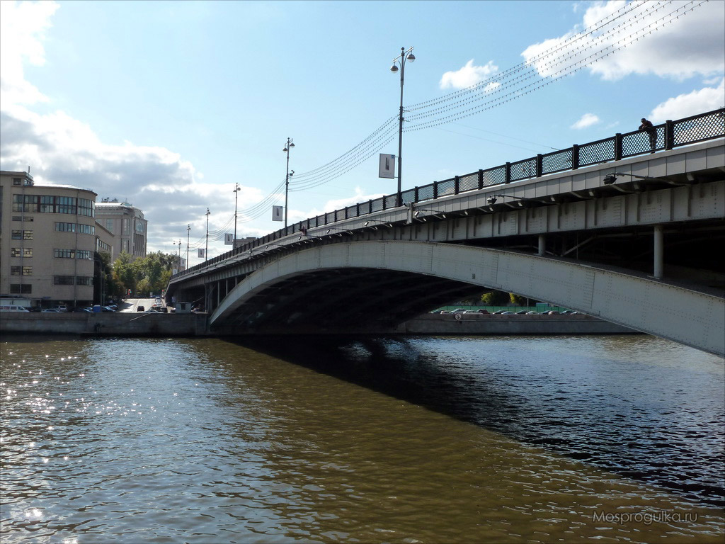 Котельническая набережная: Большой Устьинский мост