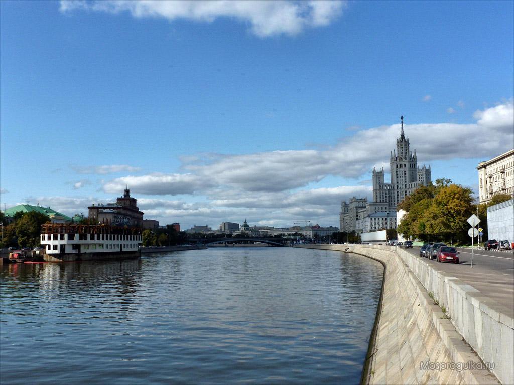 Котельническая набережная: общий вид, сталинская высотка на Котельнической набережной