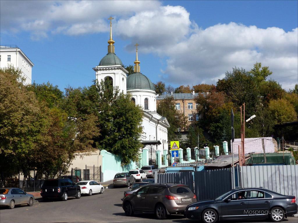 Котельническая набережная: Храм святителя Николая в Котельниках