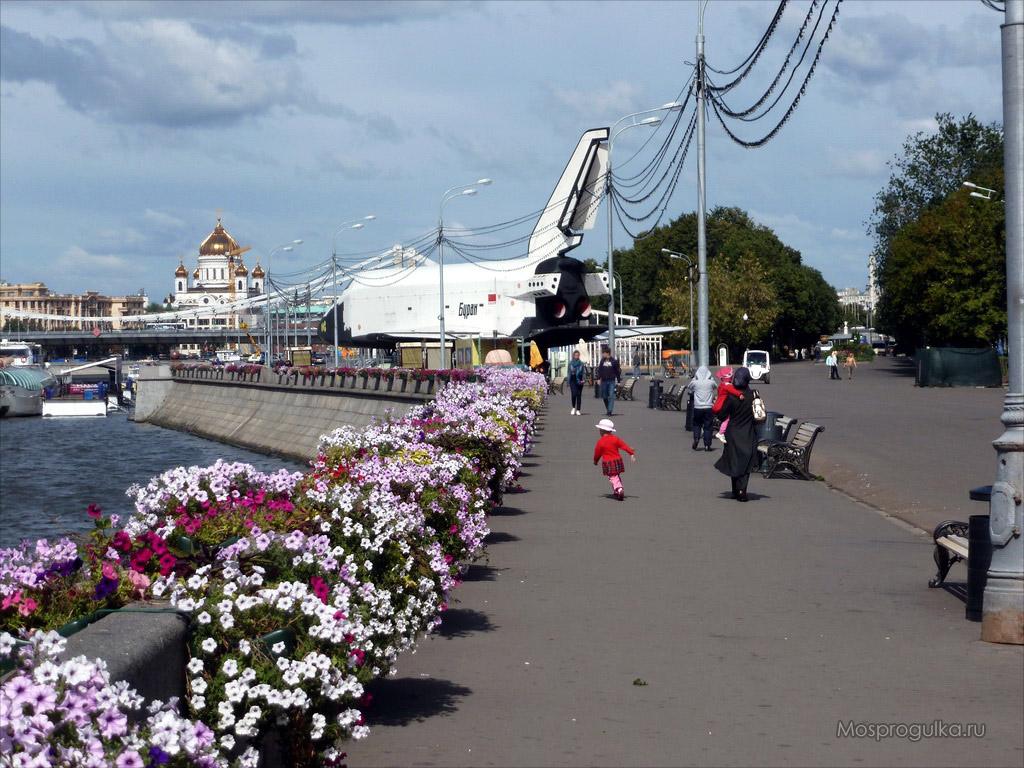 Буран на Пушкинской набережной, 2012