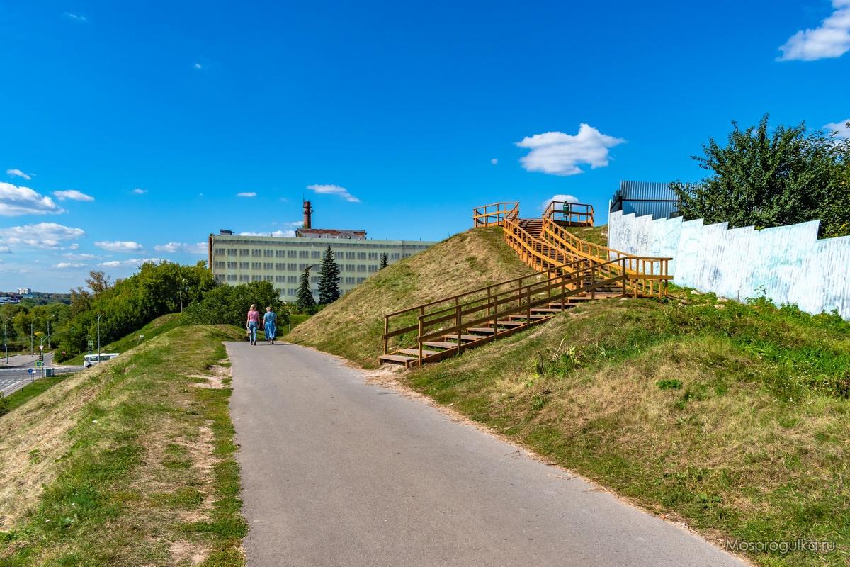 Смотровая площадка на Соборной горе в Серпуховском кремле