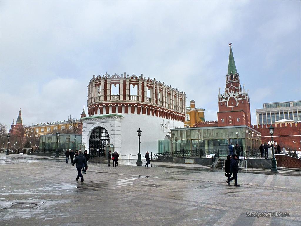 Кутафья башня Московского Кремля